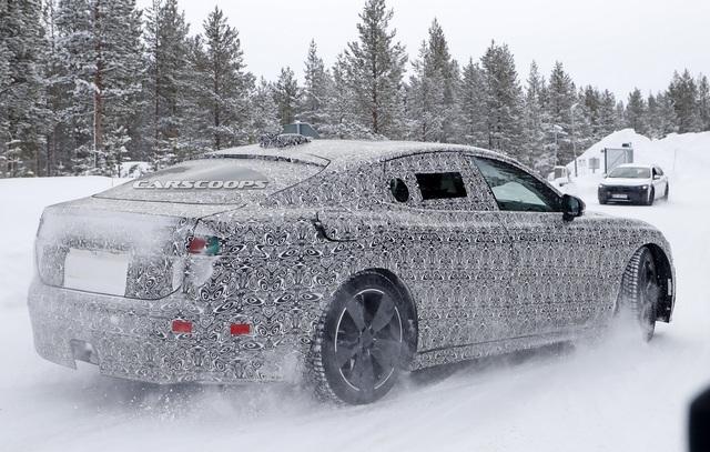 Jaguar XJ trở lại với vóc dáng đầy đặn hơn hẳn, sẵn sàng đối đầu Porsche Taycan - Ảnh 2.