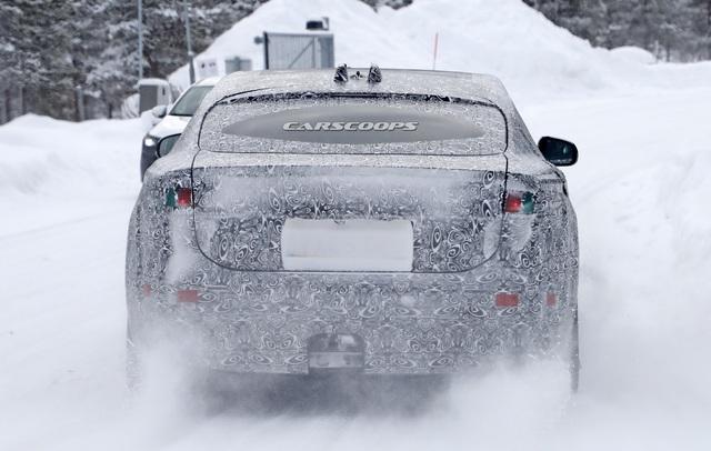 Jaguar XJ trở lại với vóc dáng đầy đặn hơn hẳn, sẵn sàng đối đầu Porsche Taycan - Ảnh 3.