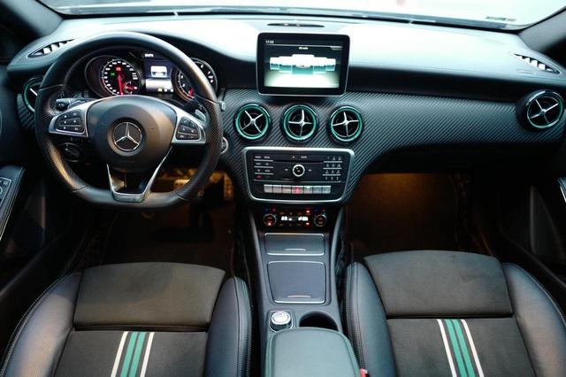 Hàng siêu hiếm Mercedes-Benz A 250 lấy cảm hứng từ F1 được chào bán bằng giá Honda Civic mua mới - Ảnh 3.