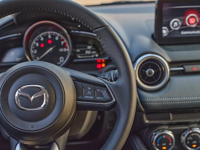 Mazda2 2020 chính thức ra mắt tại Việt Nam: Cạnh tranh Toyota Vios, nhưng công nghệ như CX-8 - Ảnh 8.
