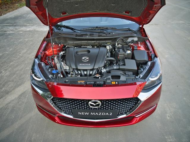Mazda2 2020 chính thức ra mắt tại Việt Nam: Cạnh tranh Toyota Vios, nhưng công nghệ như CX-8 - Ảnh 10.