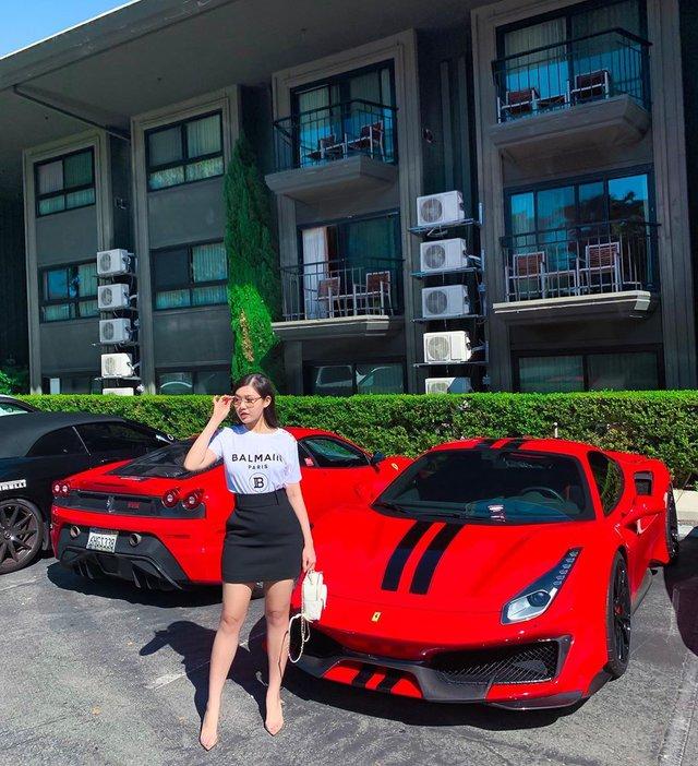 Cuộc sống xa hoa bên cạnh xe siêu sang và siêu xe của ái nữ nhà ông trùm buôn ô tô tiền tỷ tại Sài Gòn - Ảnh 1.
