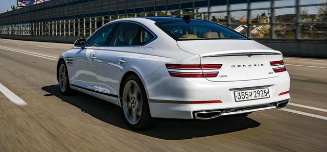 Genesis G80 ăn đứt Mercedes-Benz E-Class, BMW 5-Series và Audi A6 nhờ... giá rẻ - Ảnh 4.