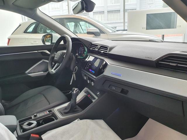Audi Q3 2020 giá hơn 1,9 tỷ đồng đầu tiên về đại lý: Nhiều trang bị hiện đại, trừ một chi tiết 'đồ cổ' gây tranh cãi - Ảnh 4.