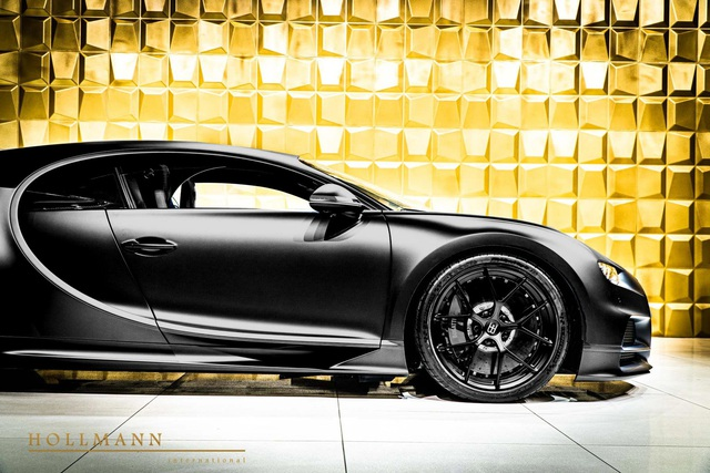 Bugatti Chiron Sport Noire Sportive siêu hiếm bất ngờ xuất hiện trên thị trường xe cũ với giá hơn 4 triệu USD - Ảnh 1.