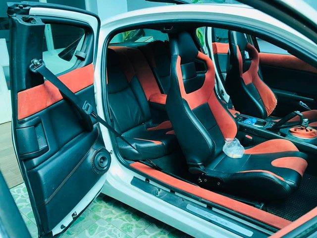 Hàng hiếm Mazda RX-8 gắn logo Ferrari bán lại với giá ngang ngửa Toyota Vios số sàn - Ảnh 4.