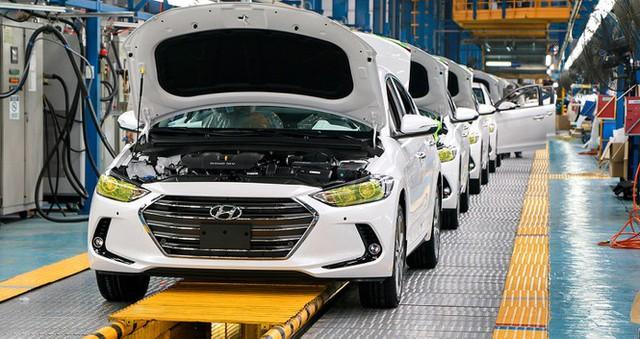Dịch COVID-19 ảnh hưởng thế nào đến thị trường ô tô Việt Nam? - Ảnh 1.