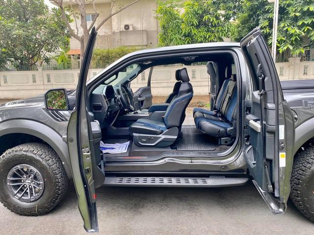 Khám phá Ford F-150 Raptor cửa Rolls-Royce đầu tiên Việt Nam: Nhiều điểm khác biệt mà ít người biết - Ảnh 5.