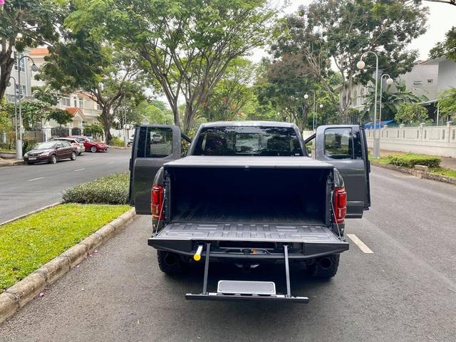 Khám phá Ford F-150 Raptor cửa Rolls-Royce đầu tiên Việt Nam: Nhiều điểm khác biệt mà ít người biết - Ảnh 7.