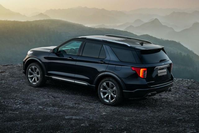 Ford tung Explorer Trung Quốc với thiết kế khác biệt, giá chỉ bằng nửa bản nhập - Ảnh 1.