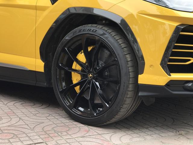 Bóc tách những điểm đặc biệt của Lamborghini Urus 4 chỗ đầu tiên Việt Nam - Ảnh 10.