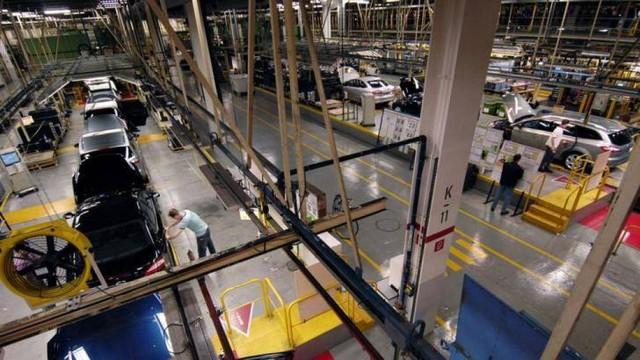 Hơn 1,1 triệu công nhân ngành ô tô châu Âu bị ảnh hưởng bởi Covid-19 - Ảnh 1.