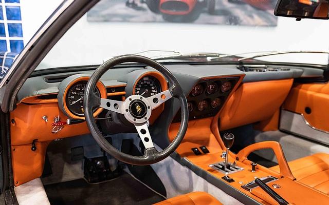 Bị Hoàng gia Ả-rập bỏ xó, Lamborghini Miura SV siêu độc tìm chủ mới với giá siêu đắt đỏ - Ảnh 2.