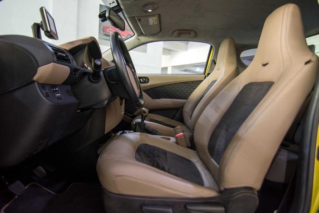Mẫu xe giữ giá nhất của Aston Martin lại tới từ… Toyota - Ảnh 3.