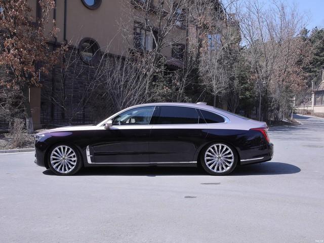 Mở bán Hongqi H9 - Xe Trung Quốc như Rolls-Royce, trần Maybach, tham vọng đấu Mercedes E-Class - Ảnh 1.