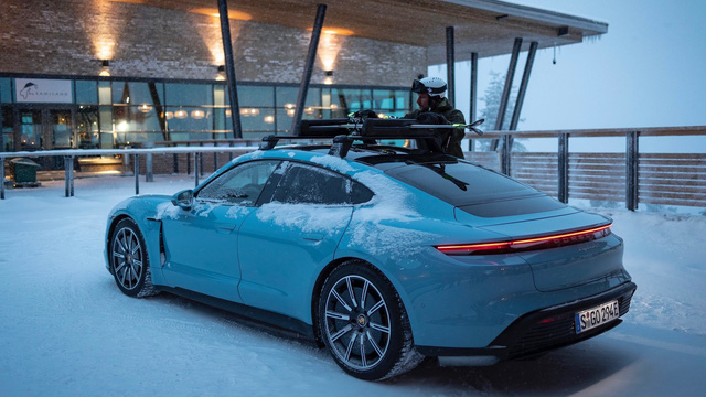 Vừa về Việt Nam, Porsche Taycan đã sắp có bản giá rẻ với dẫn động cầu sau cho nhà giàu mới nổi - Ảnh 1.