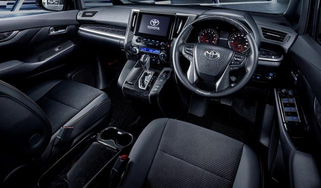 Chuyên cơ mặt đất Toyota Alphard có thêm bản Type Gold cho đại gia - Ảnh 3.