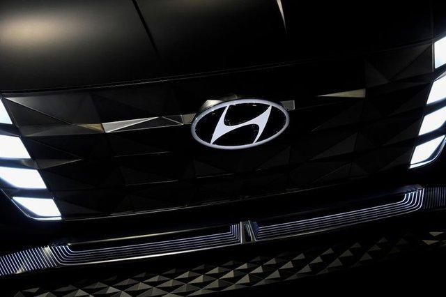 Tucson và Elantra đắt hàng, Hyundai tức tốc sản xuất trở lại nhưng vẫn mắc kẹt ở nhiều nơi - Ảnh 2.