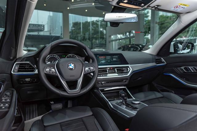 Ra mắt BMW 3-Series 2020 tại Việt Nam: 3 phiên bản, giá từ 1,9 tỷ đồng, đấu Mercedes-Benz C-Class bằng nhiều trang bị - Ảnh 3.