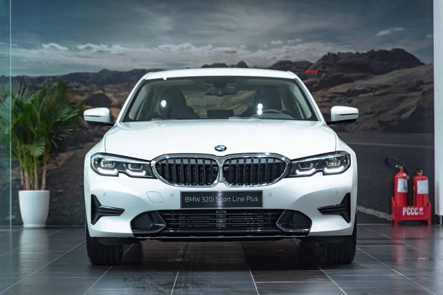 Ra mắt BMW 3-Series 2020 tại Việt Nam: 3 phiên bản, giá từ 1,9 tỷ đồng, đấu Mercedes-Benz C-Class bằng nhiều trang bị - Ảnh 1.