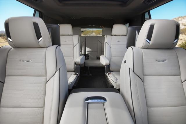 Cadillac Escalade đời mới chính thức có phiên bản kéo dài, thêm vài sự thay đổi so với bản gốc - Ảnh 2.