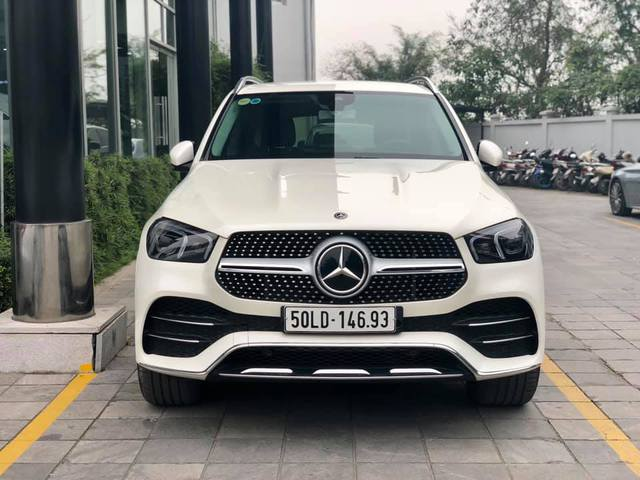 Mercedes-Benz GLE thế hệ mới thanh lý với giá rẻ hơn 600 triệu, ODO vỏn vẹn 1.600km - Ảnh 1.