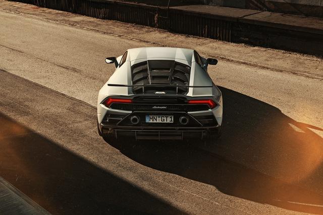 Lamborghini Huracan Evo độ Novitec: Không cần hào nhoáng nhưng vẫn đẹp - Ảnh 4.