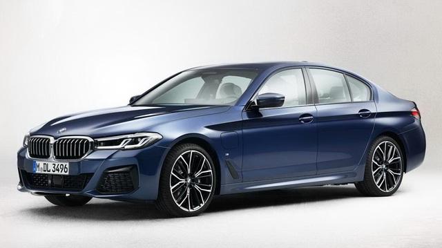 BMW 5-Series phiên bản mới bất ngờ lộ ảnh nguyên hình: Ngày càng đẹp hơn, đe doạ E-Class, A6