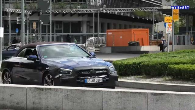 Mercedes-Benz E-Class mui trần lần đầu lộ diện trên đường phố - Ảnh 2.