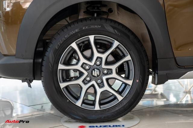 Chi tiết Suzuki XL7 giá 589 triệu đồng vừa về đại lý - Bản vá thức thời của Ertiga để đấu Mitsubishi Xpander - Ảnh 4.
