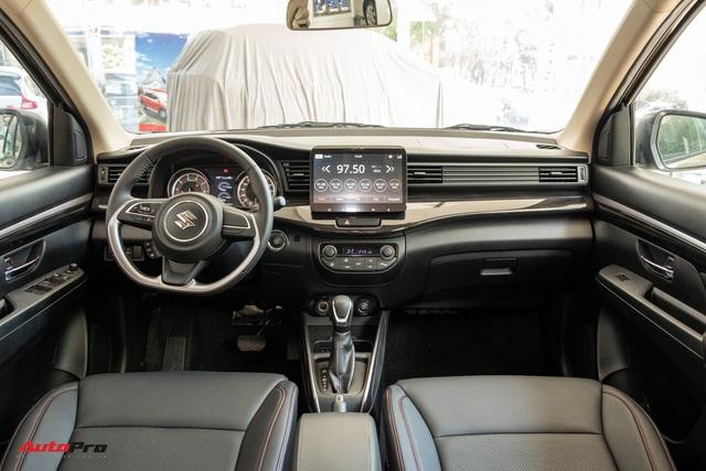 Chi tiết Suzuki XL7 giá 589 triệu đồng vừa về đại lý - Bản vá thức thời của Ertiga để đấu Mitsubishi Xpander - Ảnh 7.
