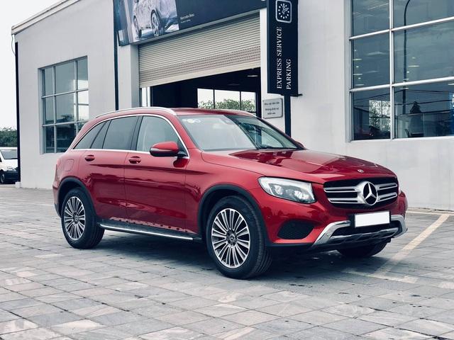 Mercedes-Benz GLC 250 2019 chính hãng thanh lý dưới 2 tỷ đồng: ODO 18 km, nội thất chưa bóc nilon - Ảnh 5.