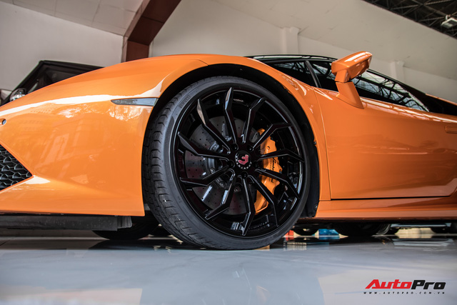Lamborghini Huracan độ siêu độc từng gây xôn xao Bình Dương được chuyển ra TP. HCM giữa mùa dịch, chi tiết trên vô-lăng tiết lộ nguyên nhân - Ảnh 5.
