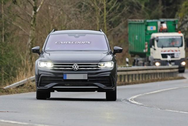 Volkswagen Tiguan 2020 lộ diện trần trụi, đe doạ Honda CR-V - Ảnh 1.