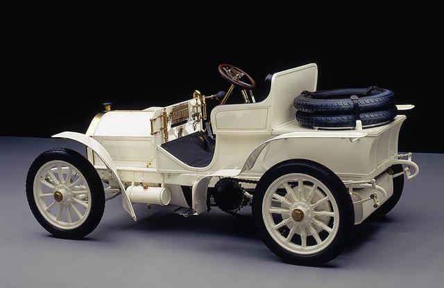 120 năm qua và tới tận giờ, Mercedes-Benz vẫn là thương hiệu xe duy nhất được đặt tên theo một người phụ nữ - Ảnh 3.