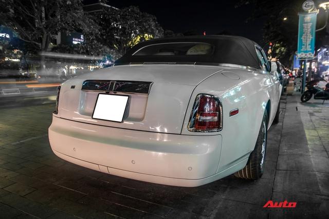Hàng hiếm Rolls-Royce Phantom Drophead Coupe tái xuất: Logo phía sau là chi tiết đáng chú ý - Ảnh 1.