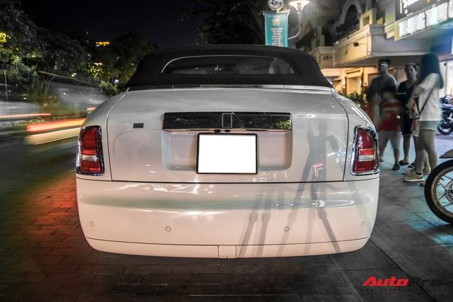 Hàng hiếm Rolls-Royce Phantom Drophead Coupe tái xuất: Logo phía sau là chi tiết đáng chú ý - Ảnh 3.