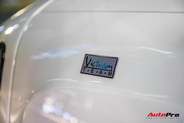 Hàng hiếm Rolls-Royce Phantom Drophead Coupe tái xuất: Logo phía sau là chi tiết đáng chú ý - Ảnh 7.