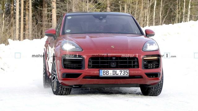 Porsche Cayenne tiếp tục có phiên bản mới, mạnh nhất từ trước tới nay? - Ảnh 1.