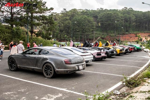 Dân chơi Bình Phước trổ tài drift trên chiếc BMW M4 trong chuyến đi cùng đại gia Hoàng Kim Khánh và Cường Đô La - Ảnh 7.
