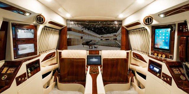 Cadillac Escalade ngoài bọc thép, trong dát vàng giá 500.000 USD cùng 5 bản độ chất ngất khác làm siêu lòng giới siêu giàu  - Ảnh 1.