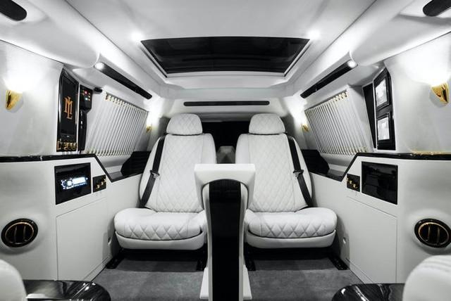 Cadillac Escalade ngoài bọc thép, trong dát vàng giá 500.000 USD cùng 5 bản độ chất ngất khác làm siêu lòng giới siêu giàu  - Ảnh 6.