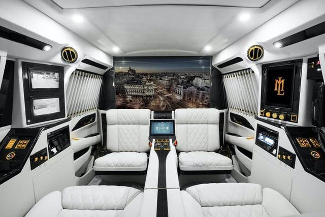 Cadillac Escalade ngoài bọc thép, trong dát vàng giá 500.000 USD cùng 5 bản độ chất ngất khác làm siêu lòng giới siêu giàu  - Ảnh 8.