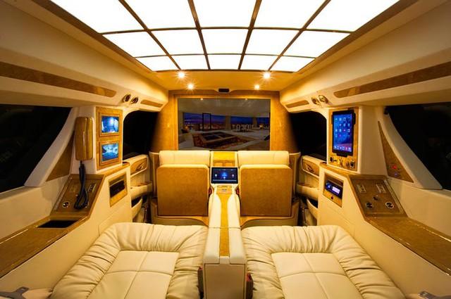 Cadillac Escalade ngoài bọc thép, trong dát vàng giá 500.000 USD cùng 5 bản độ chất ngất khác làm siêu lòng giới siêu giàu  - Ảnh 9.