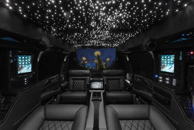 Cadillac Escalade ngoài bọc thép, trong dát vàng giá 500.000 USD cùng 5 bản độ chất ngất khác làm siêu lòng giới siêu giàu  - Ảnh 16.