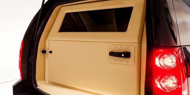 Cadillac Escalade ngoài bọc thép, trong dát vàng giá 500.000 USD cùng 5 bản độ chất ngất khác làm siêu lòng giới siêu giàu  - Ảnh 22.