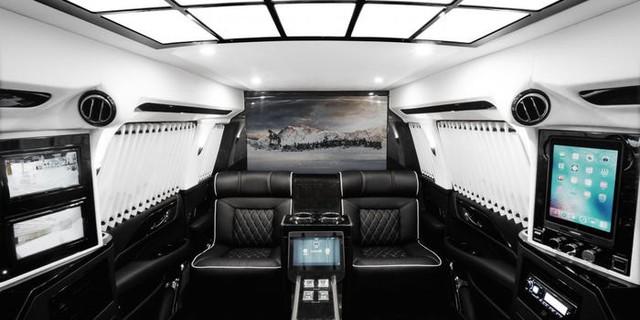Cadillac Escalade ngoài bọc thép, trong dát vàng giá 500.000 USD cùng 5 bản độ chất ngất khác làm siêu lòng giới siêu giàu  - Ảnh 24.