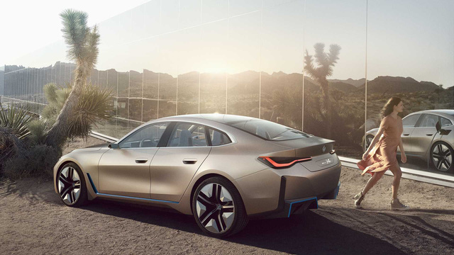 BMW sẽ khai tử nhiều xe chạy xăng, dầu bán chậm để tập trung phát triển xe điện - Ảnh 1.