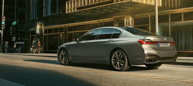 BMW M760Li nhận giấy báo tử sớm hơn dự kiến - 7-Series mất đi bản đỉnh cao nhất - Ảnh 2.