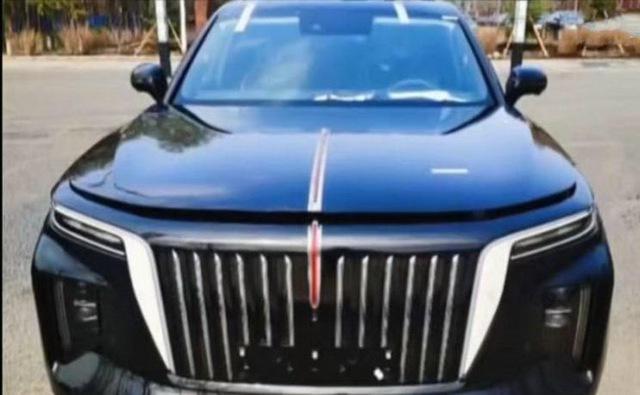 Rolls-Royce Trung Quốc Hongqi E115 lộ mặt, khoe tản nhiệt lớn hơn cả BMW - Ảnh 1.